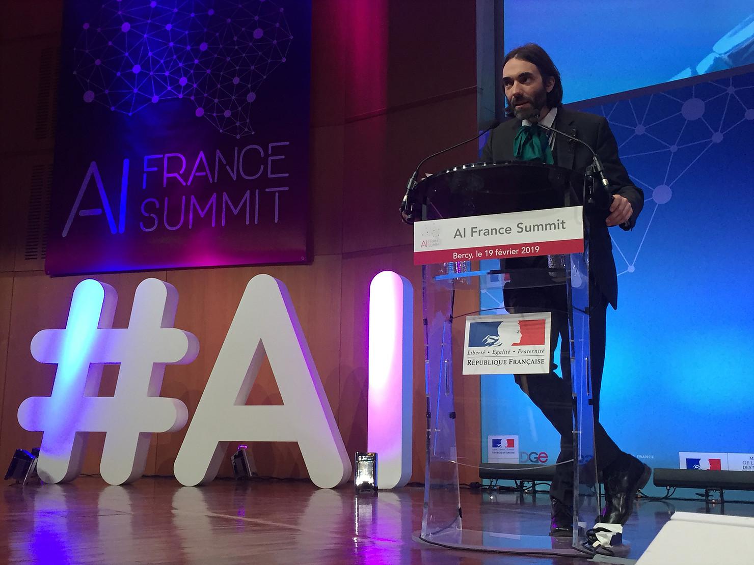 Cédric Villani, député et chercheur spécialiste en IA connait parfaitement l'écosystème de l'AI France Summit et de l'intelligence artificielle