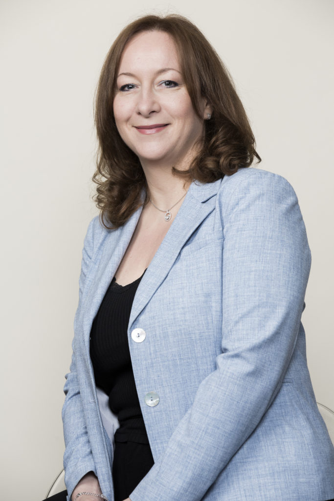 Un portrait de Coralie Héritier, Directrice Générale de la société IDnomic